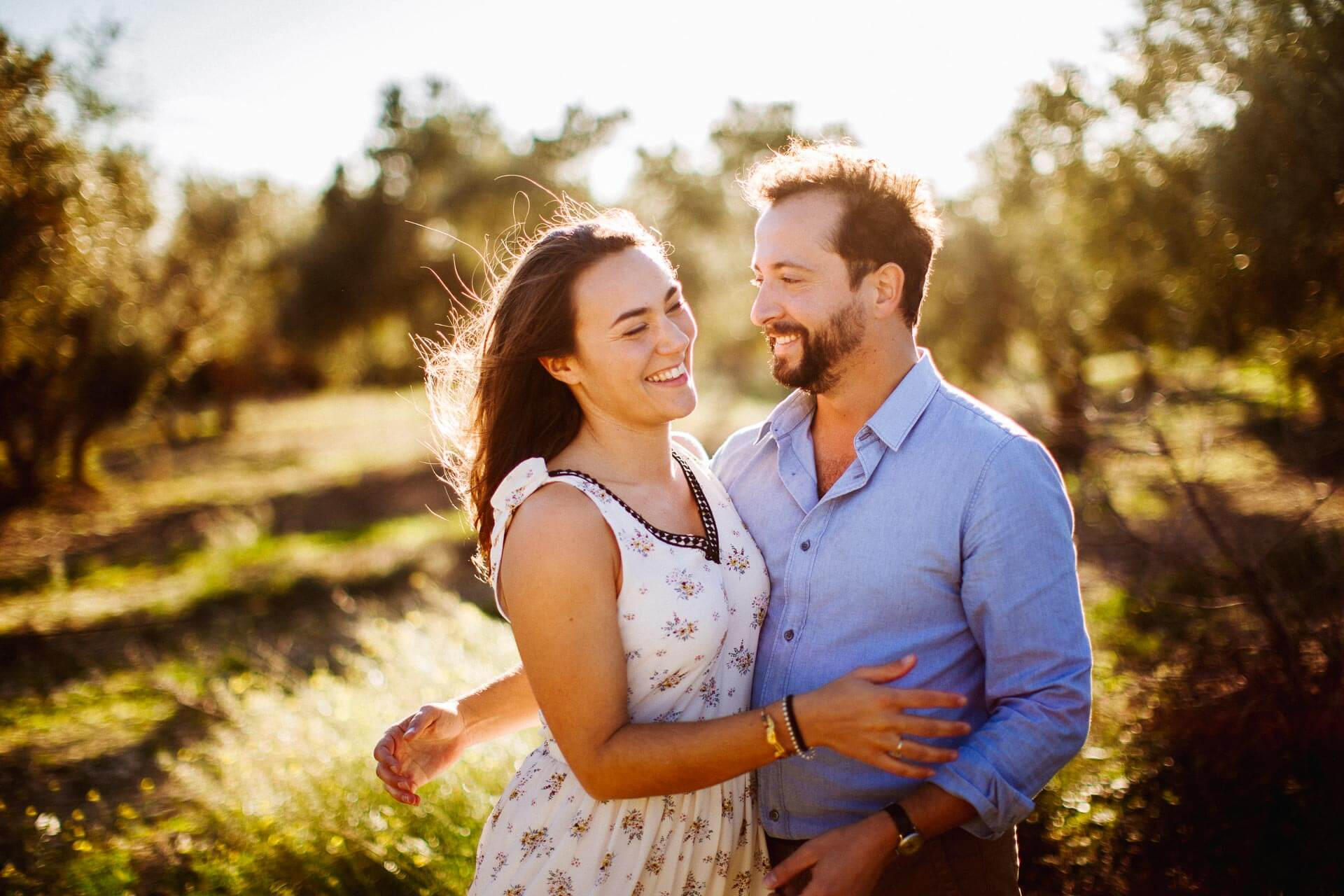 Photographe couple provence olivier nature spontané-1