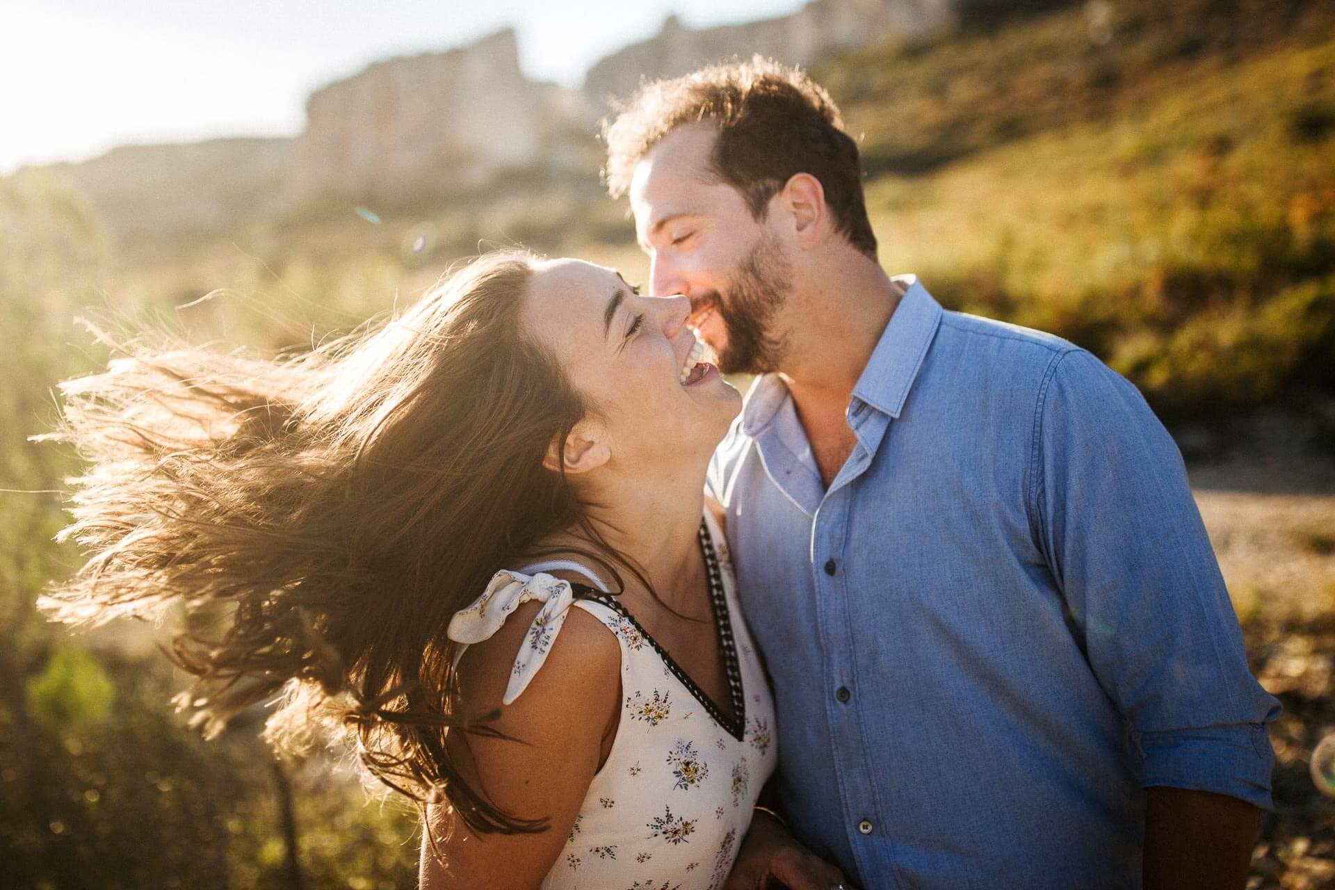 Photographe couple provence olivier nature spontané-10