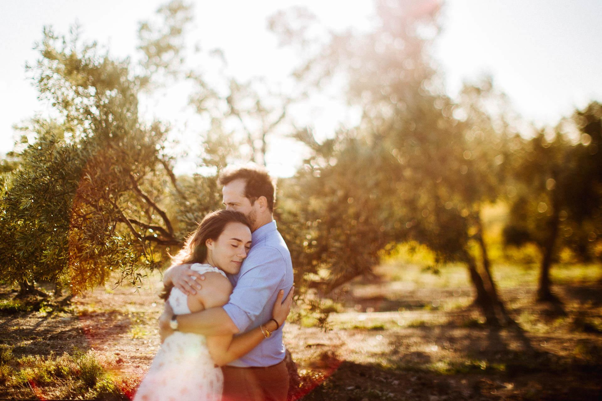 Photographe couple provence olivier nature spontané-4