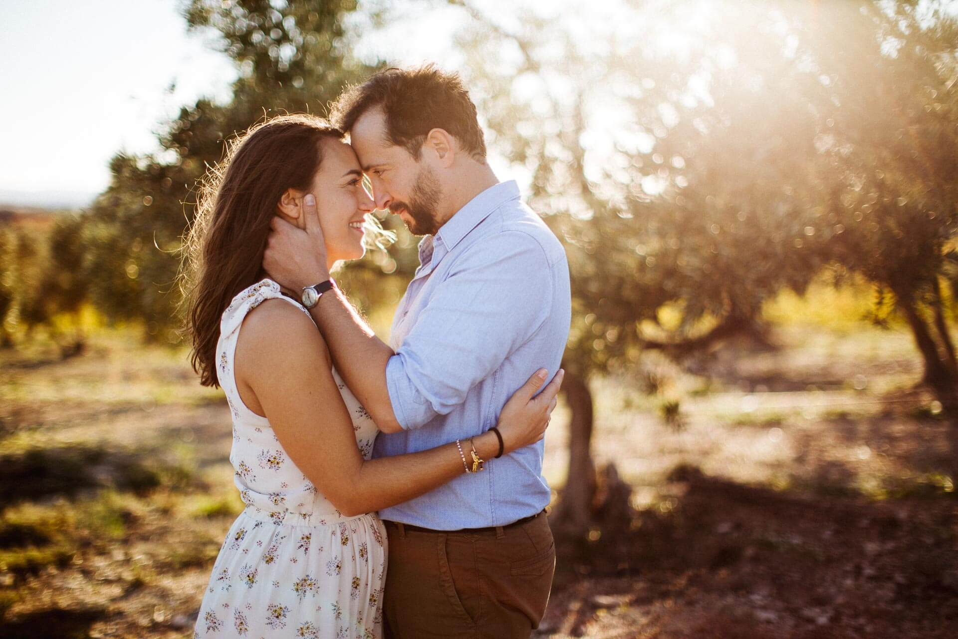 Photographe couple provence olivier nature spontané-7
